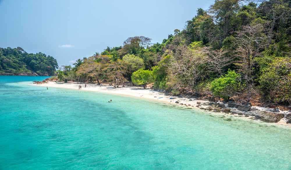 ท่องเที่ยวเกาะช้าง หาดทรายขาว