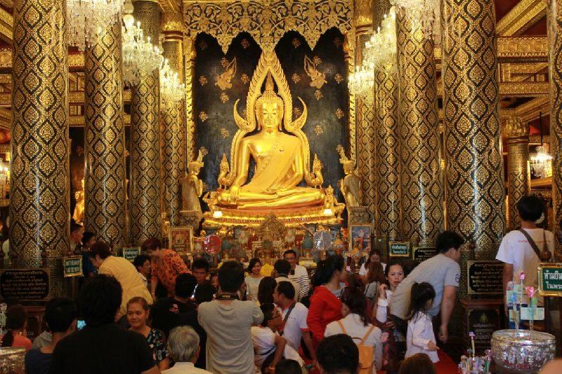 หลวงพ่อพระพุทธชินราชสิ่งศักดิ์สิทธิ์แห่งเมืองสองแคว