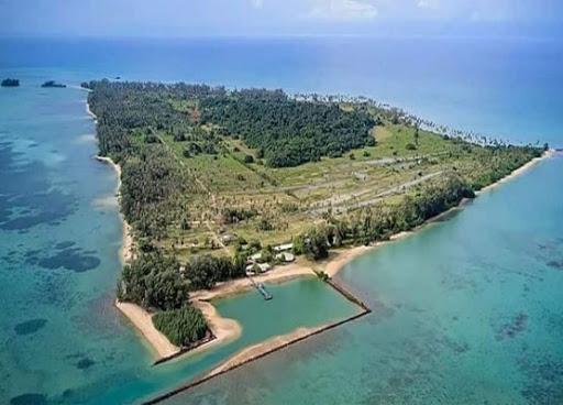 ท่องเที่ยวเกาะจังหวัดตราด เกาะที่สองที่แอดอยากจะแนะนำ คือ เกาะกระดาด เป็นเกาะที่มีความอุดมสมบูรณ์ ร่มรื่นไปด้วยธรรมชาติ