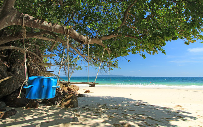 เกาะบุโหลน เป็นเกาะที่อยู่ในจังหวัดสตูลเเป็นเกาะที่อยู่ฝั่งอันดามัน น้ำทะเลของเกาะบุโหลนจะมีความใสสะอาดมาก