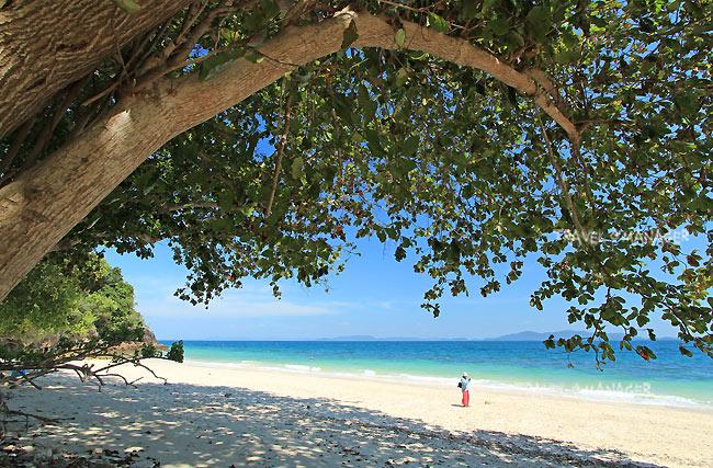เกาะบุโหลน สถานที่ท่องเที่ยวที่ใครๆต่างก็ชอบ เพราะจะได้ทั้งความสงบและได้ชมธรรมชาติด้วย