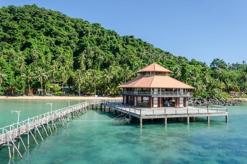 ท่องเที่ยวเกาะจังหวัดตราด เกาะที่สามที่แอดอยากจะแนะนำ คือ เกาะหวาย เกาะที่มีความเงียบสงบมาก ๆ