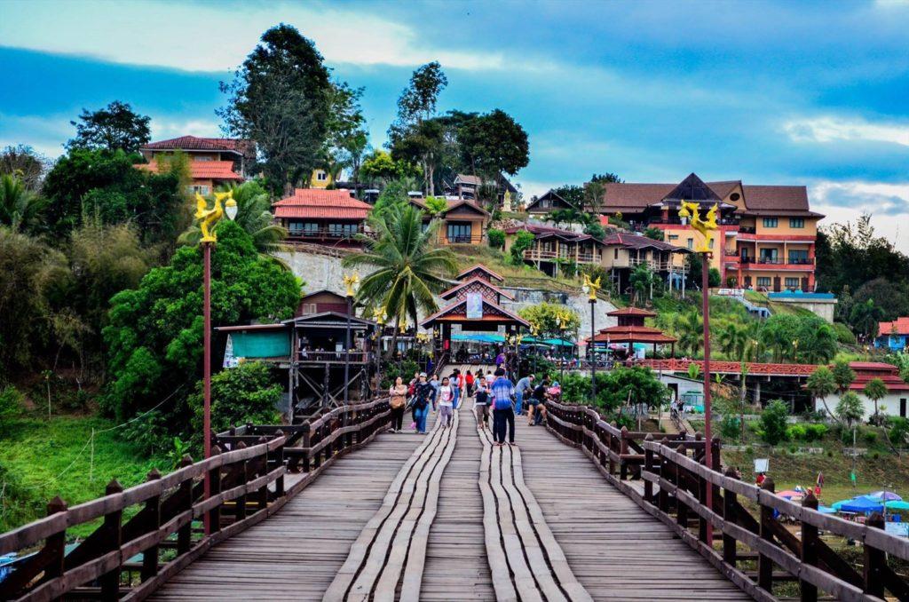 ข้อมูลสถานที่ท่องเที่ยว สะพานมอญสังขละบุรี