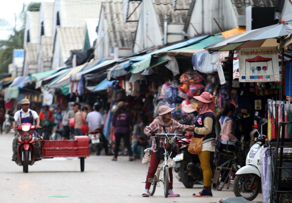 สถานที่ท่องเที่ยวจังหวัดสระแก้ว ที่แนะนำสถานที่แรก คือ ตลาดโรงเกลือ