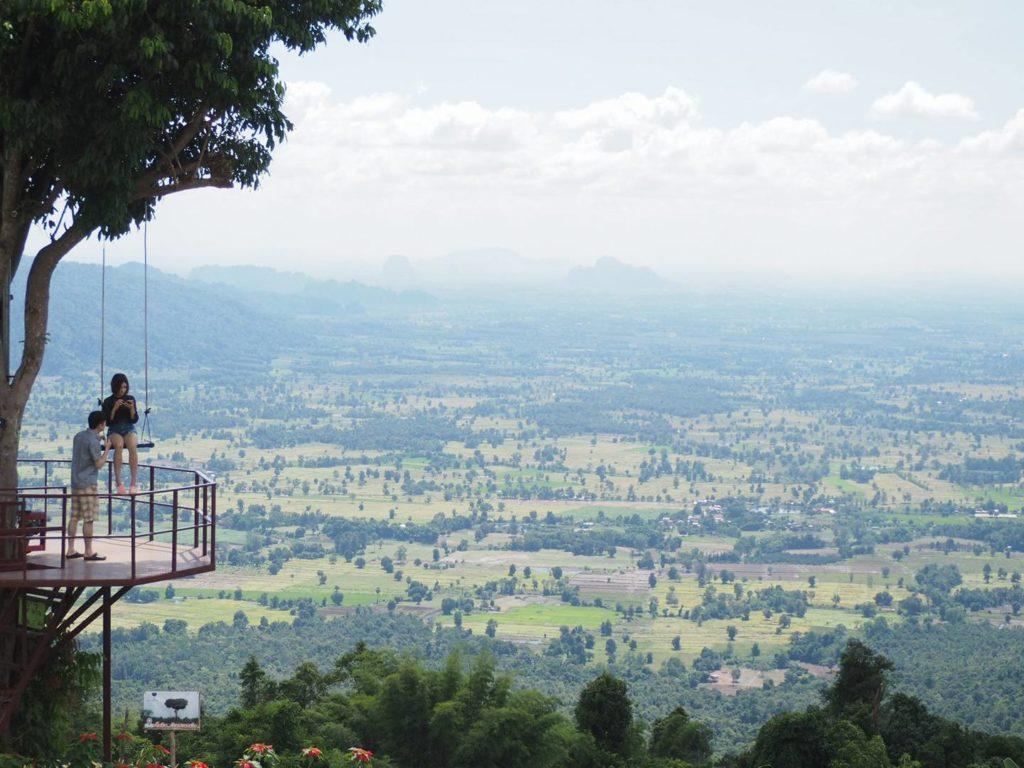 บ้านสวนภูรักไทย จังหวัดพิษณุโลกมีบรรยากาศที่โอบล้อมไปด้วยธรรมชาติ