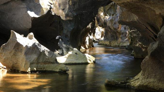 สถานที่ท่องเที่ยวที่มีหินในประเทศไทย น่าประทับใจ