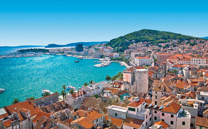 เที่ยวยุโรปตะวันออก ท่องเที่ยวเมืองที่ไม่เคยไปในโครเอเชีย สถานที่ท่องเที่ยวเมืองแรก คือ สปลิต