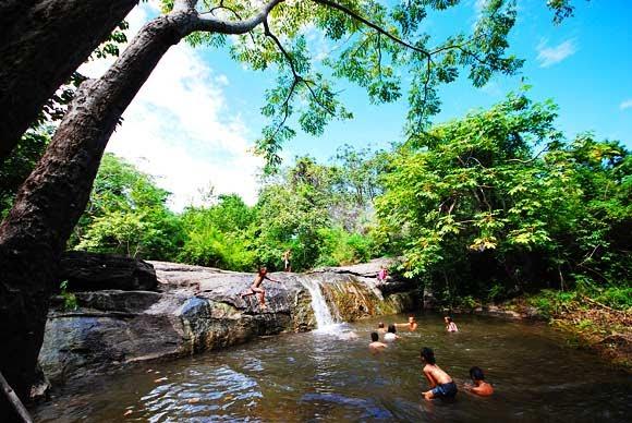 สถานที่ท่องเที่ยวจังหวัดสุพรรณบุรี ที่บอกเลยว่าสวยงาม น่าเที่ยว คือ สวนหินธรรมชาติ