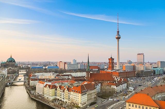 ท่องเที่ยวประเทศเยอรมัน เบอร์ลิน ด้วยจำนวนผู้เข้าชมทั้งหมด 13.5 ล้านคนและการพักค้างคืน 33 ล้านคน