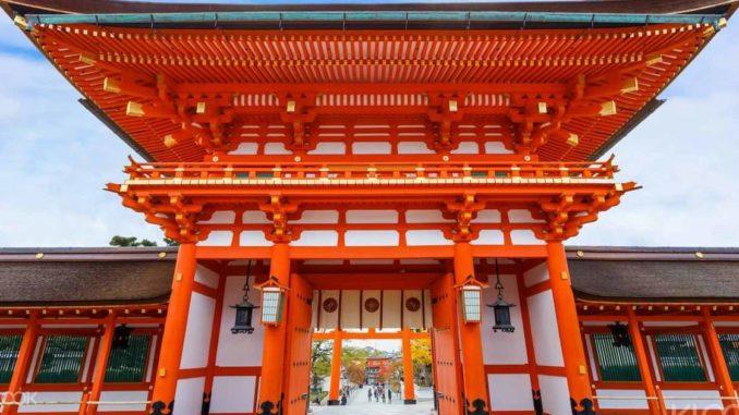 ศาลเจ้าฟูชิมิอินาริ ประเทศญี่ปุ่น ศาลเจ้าซุ้มประตูแดง