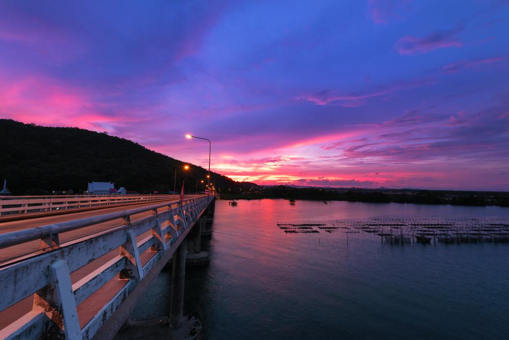 สะพานแหลมสิงห์