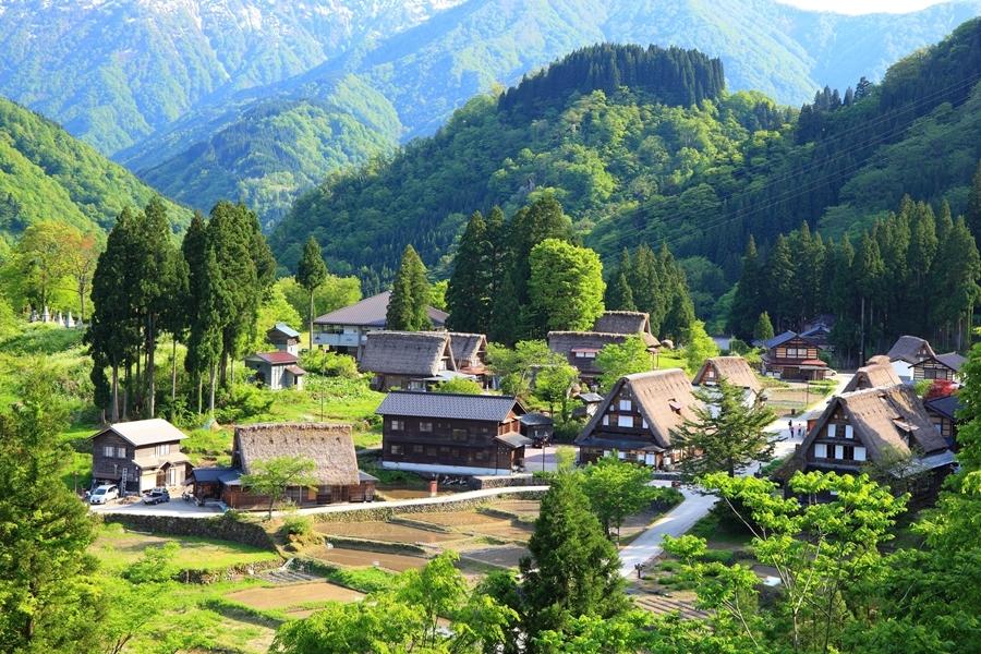 เมืองอูโอทซึ หนึ่งในเมืองของจังหวัดโทยามะ