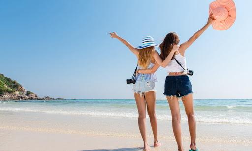 กิจกรรมท่องเที่ยวร่วมกับเพื่อน การพักผ่อน
