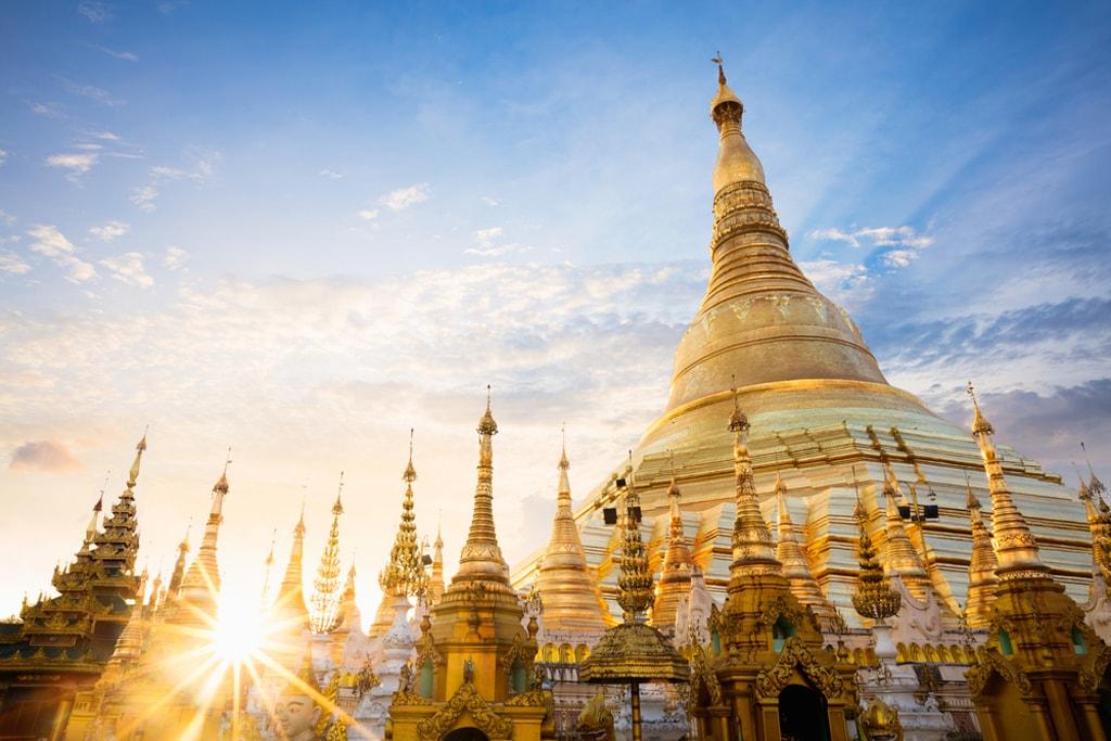 เจดีย์ชเวดากอง (Shwedagon Pagoda)