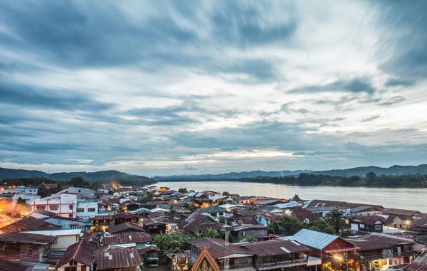 ท่องเที่ยวสุดฮอตในเมืองไทย ที่ต้องไปสักครั้ง