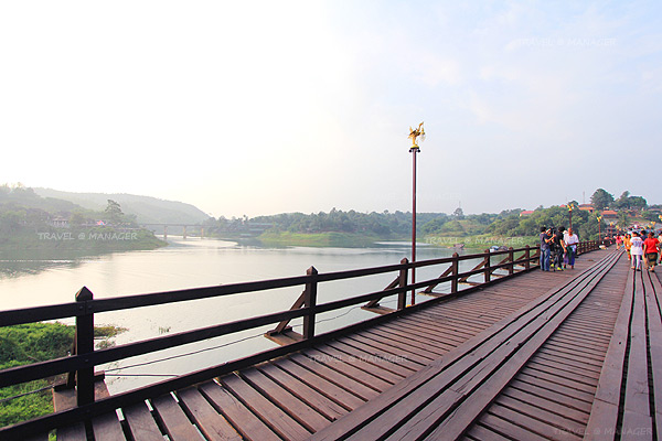 สะพานมอญ สะพานที่สวยงาม สองฝั่งแม่น้ำซองกาเรีย