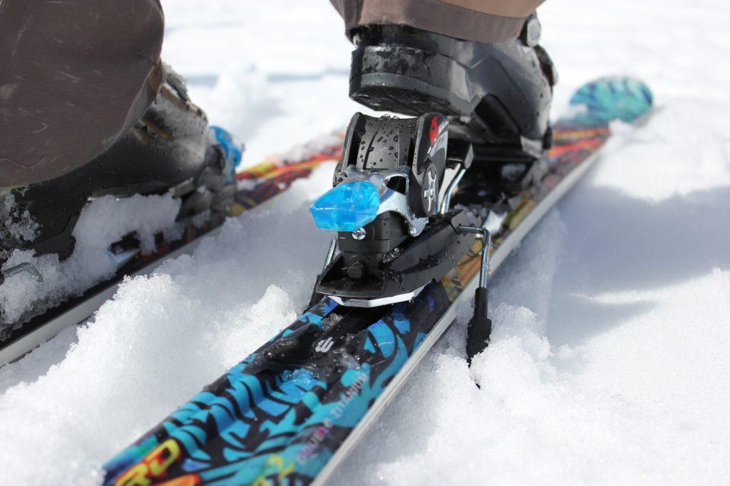วิธีการเล่นสกี กิจกรรมค่อนข้างผาดโผน