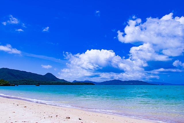 หาดมันซะ (Manza Beach)