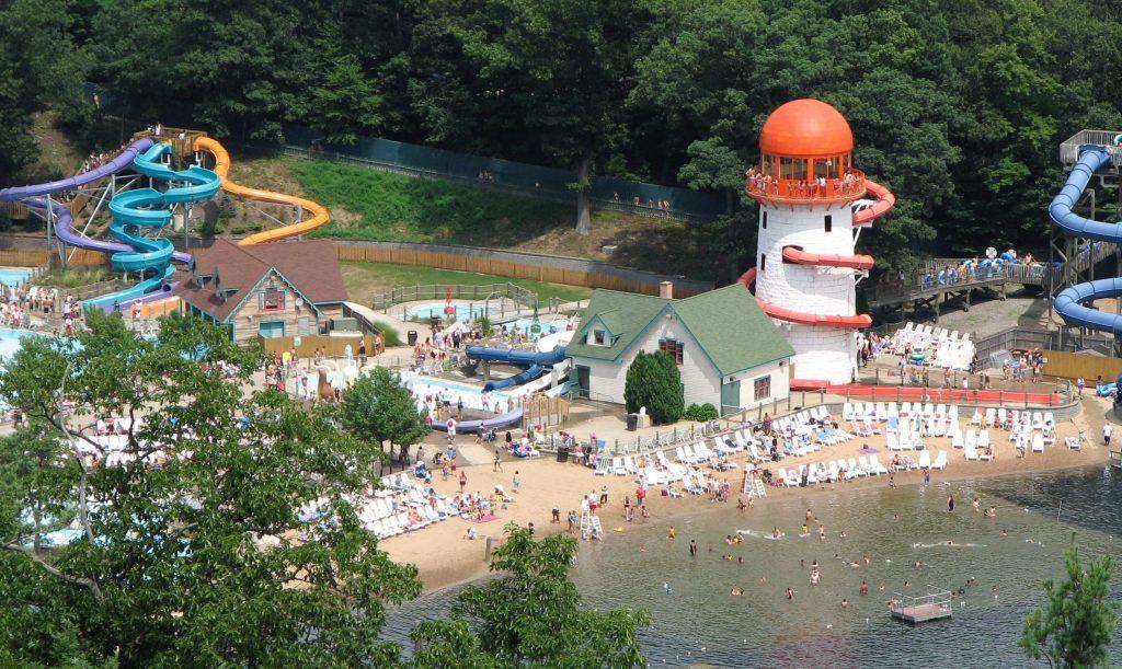 สวนสนุกเเลคคอมพาวน์ซ ที่เป็นอนุสรณ์ประจำเมืองไปแล้ว
