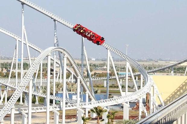 Ferrari World Abu Dhabi ที่สร้างสวนสนุกในเกาะ Yas Island